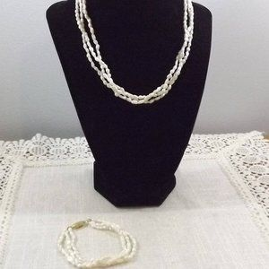 Jewelry - Fresh Water Pearls Necklace and Bracelet